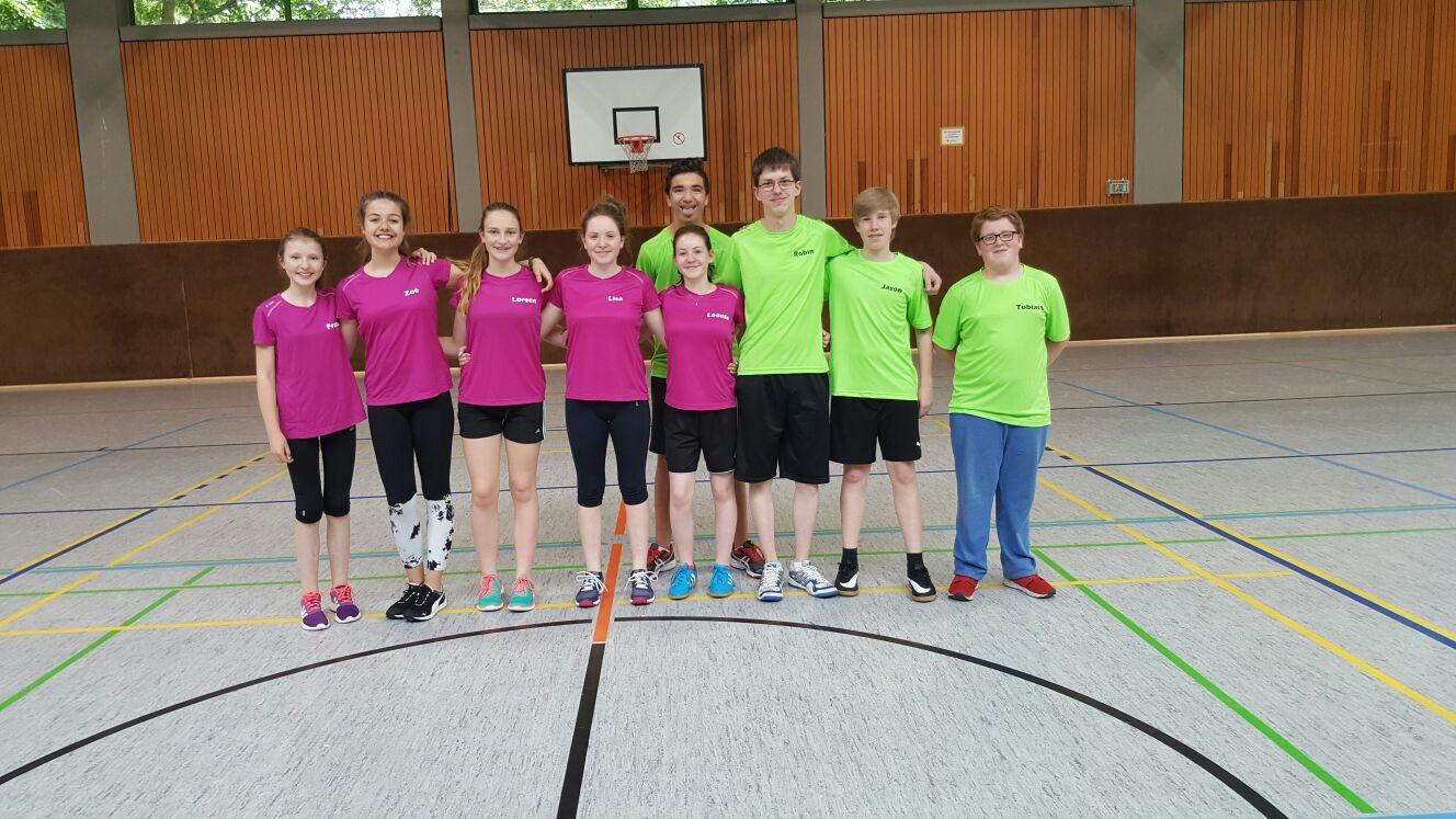 Neue Badmintontrikots für die Jugend
